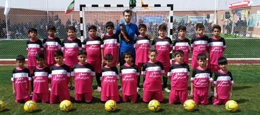 مدرسه فوتبال مجموعه ورزشی پردیس | دستگرد برخوار