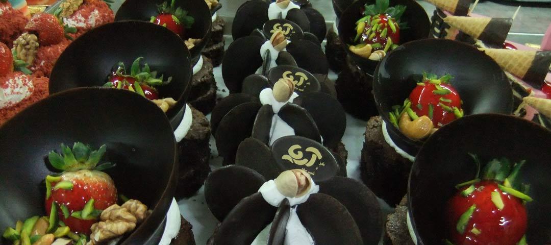 شیرینی فروشی آریا | شعبه بعثت