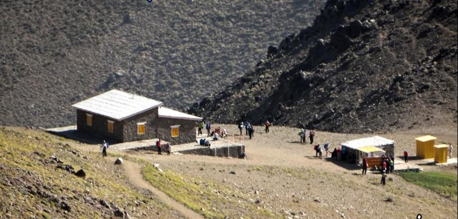 پناهگاه کلاغ لان همدان